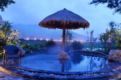 露天温泉热浴